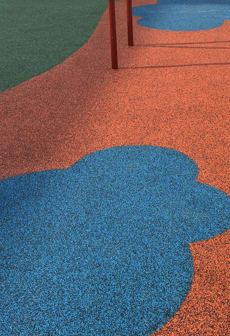 Rulifes.com : playgrounds vertido-insitu